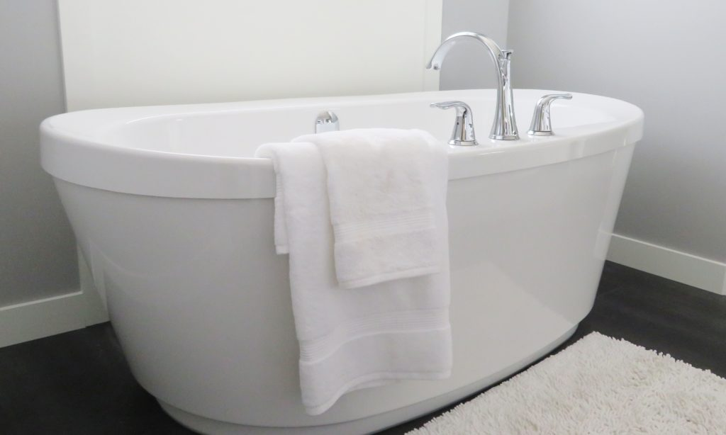 bath bathroom bathtub 534179