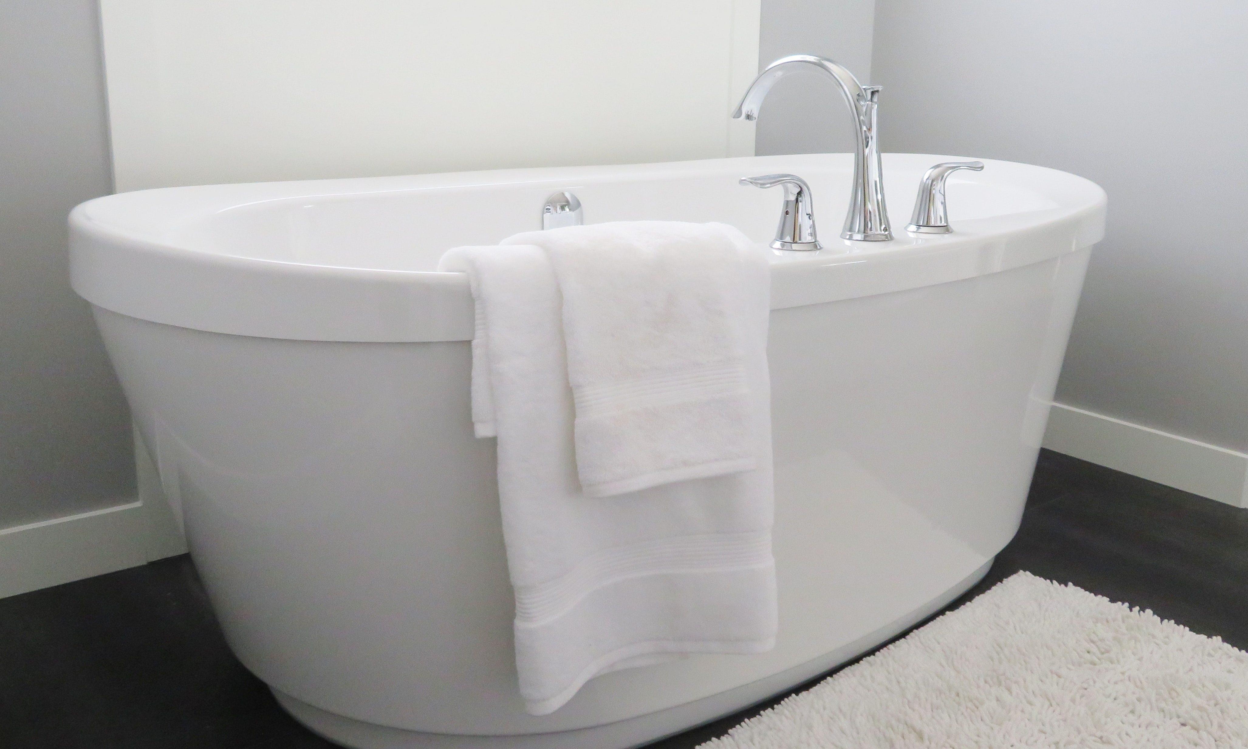 bath bathroom bathtub 534179